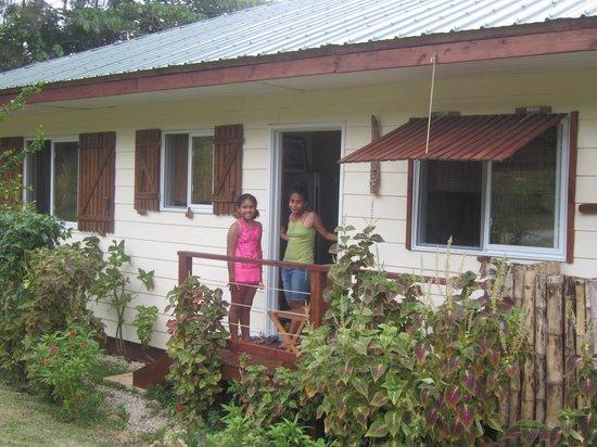 Les Cottages de Bellevue Ecolodge:                   l'entrée de la villa n° 1