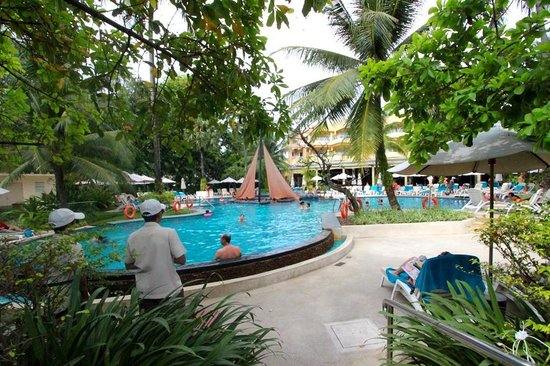 Holiday Inn Resort Phuket: Adult pool.