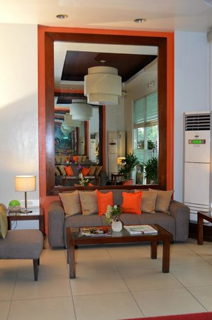 Hotel 878 Libis: Lobby Sitting Area