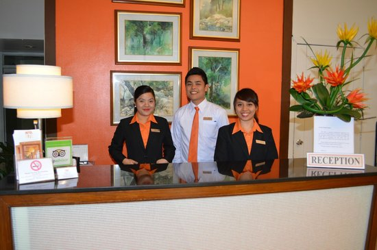Hotel 878 Libis: Front Office Staff