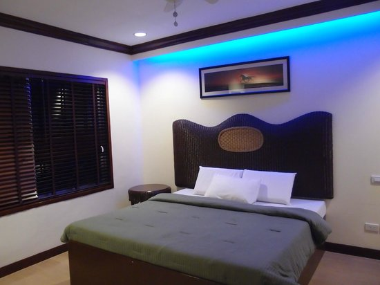 BlueFins Resort:                                                       sea view villa
