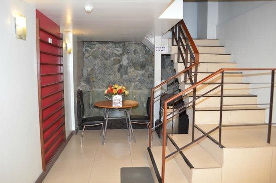 Hotel 878 Libis: Smoking Lounge