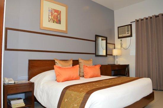 Hotel 878 Libis: Deluxe Room