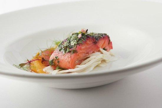 Bayviews Restaurant & Lounge Bar: Tasmanian Ocean Trout