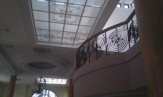Hotel Stotsenberg : hall and breakfast area
