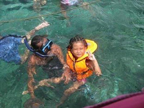 Monaco Suites de Boracay : Snorkeling in Boracay