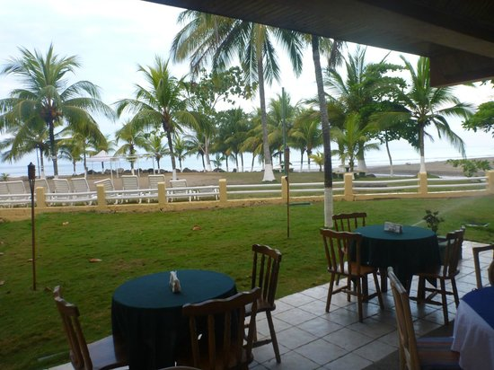 Beach Break Resort:                   grounds from dinning room