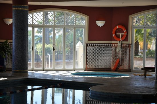 Marriott's Playa Andaluza: Indoor pool area