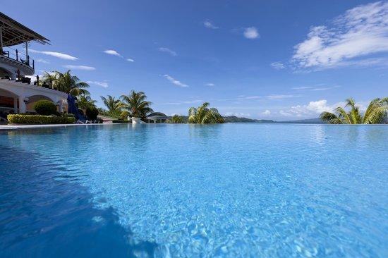 Monaco Suites de Boracay: Infinity pool