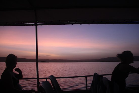 Lake Argyle Cruises:                   Sunset from the cruise boat