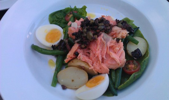 FORD'S Restaurant & Bar :                   House smoked salmon nicoise - green beans, cherry tomatoes, baby potatoes, sof