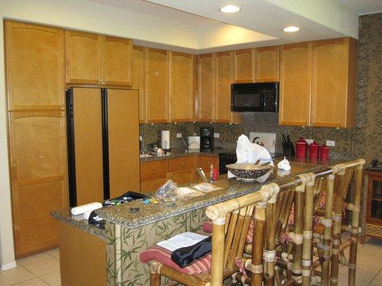 أستون وايكولوا كولوني فيلاز:                   standard kitchen                 