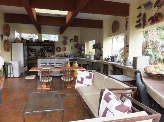 La Villa Bonita Culinary Vacation:                                     Outdoor Kitchen