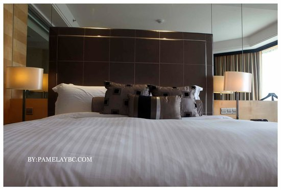 Dorsett Grand Subang:                                     The inside picture of the room