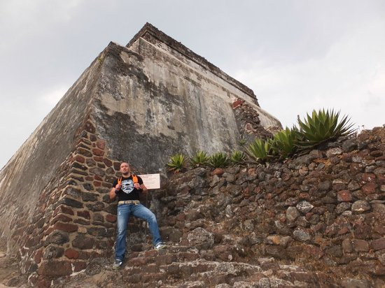 La Villa Bonita Culinary Vacation:                                     Tepozteco Pyramid