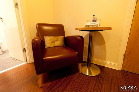 Skeffington Arms Hotel: Comfy Chair