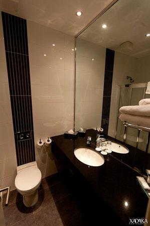 Skeffington Arms Hotel: Bathroom