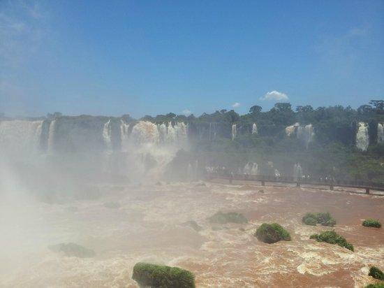 La Sorgente Hotel Posada: les chutes..côté Brésilien..
