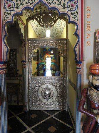 Umaid Mahal:                   Door inside