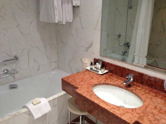 Fairmont Monte Carlo:                   salle de bains