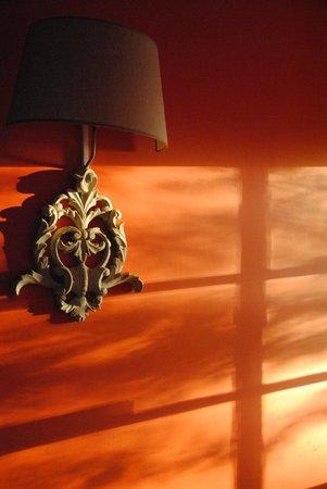 Hôtel les Charmes : le couloir