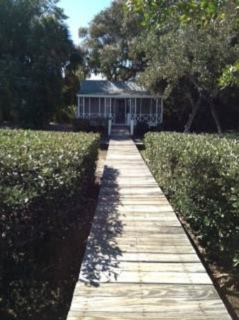 Cabbage Key Inn:                   The Romantic Cottage