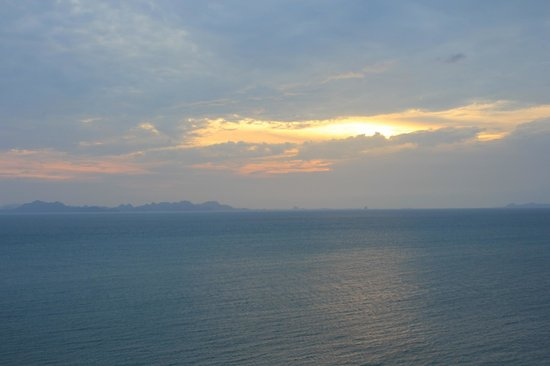Conrad Koh Samui Resort & Spa:                   another sunset