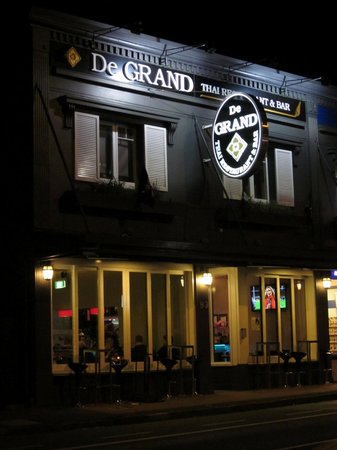 De GRAND Thai Restaurant and Bar