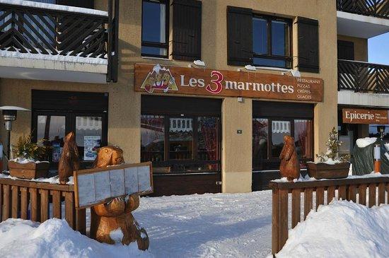 Les 3 Marmottes: le restaurant à l'arrivé