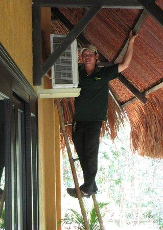 Mekong Lodge Vietnam Day Tour :                                     air condition repairing