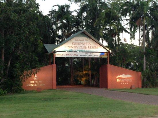 Kununurra Country Club Resort:                   Entry to resort