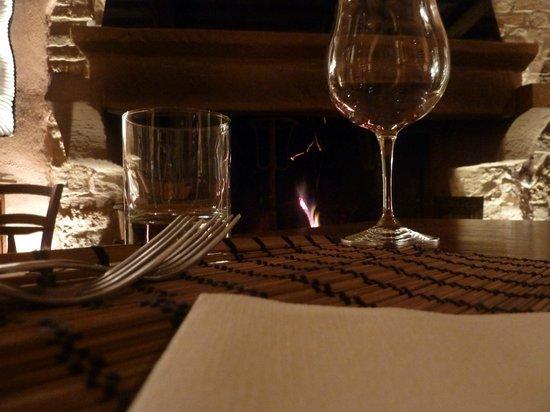 La Locanda del Vino Nobile :                                     particolare della tavola