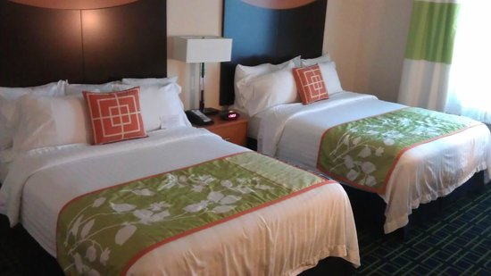 Fairfield Inn & Suites by Marriott Naples : Zimmer