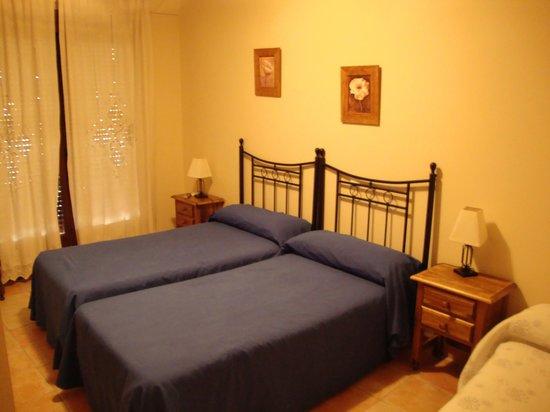 Hinojosa de San Vicente, Spain: habitacion doble