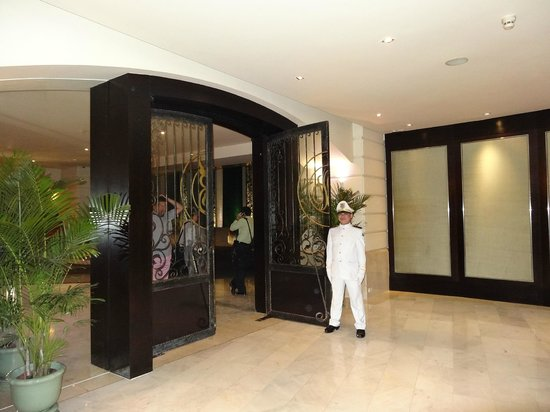 lebua at State Tower:                   Main Entrance Door