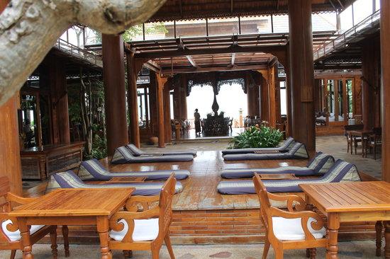 Santhiya Koh Phangan Resort & Spa: Frühstücks- und Restaurantbereich
