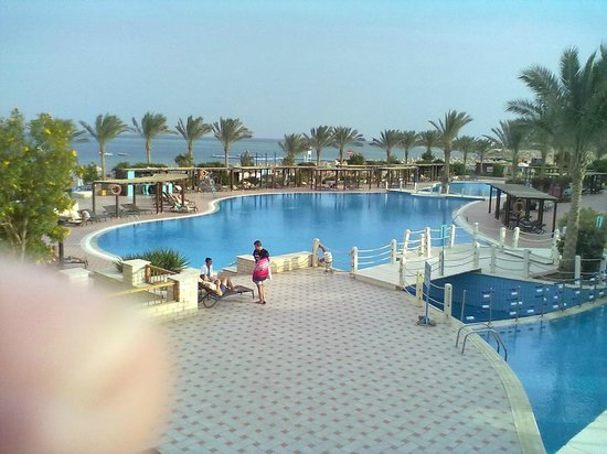 ‪فندق جاز بلفيدر: Youngsters an main pools‬