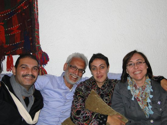 Al-Mutran Guest House:                   staf van het guesthouse: je bent gewoon een van de familie!
