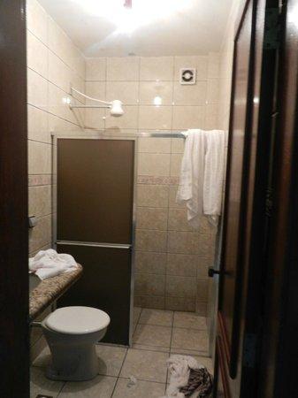 Farol dos Borbas:                   banheiro