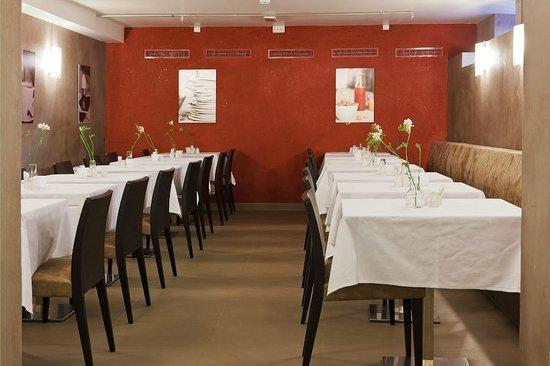 Saga Hotel Oslo : Dining