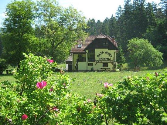 Oaza Miru: Oasis of peace house