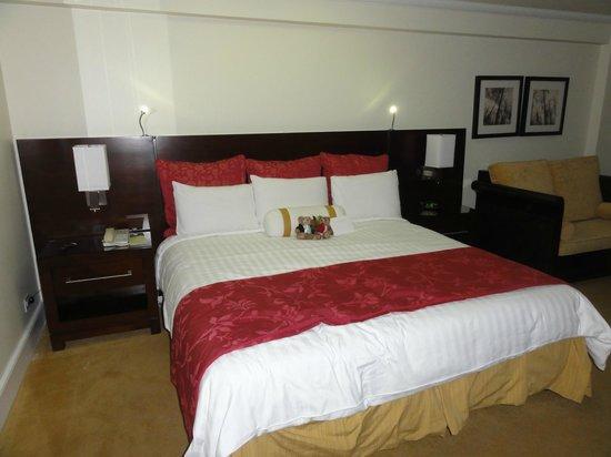 Aruba Marriott Resort & Stellaris Casino:                   Marriott Comfy bed