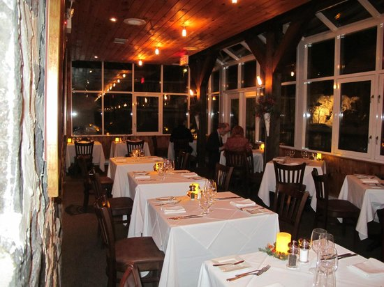 Moulin Wakefield Mill Hotel & Spa:                                                       Verrière, salle à manger