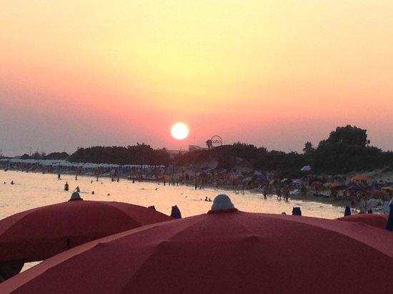 Le Dune Suite Hotel:                   la vista al tramonto