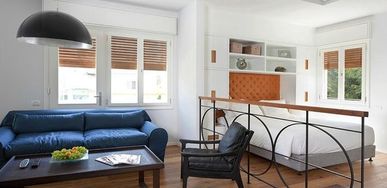 Jean Jaures Urban Residence: Studio -