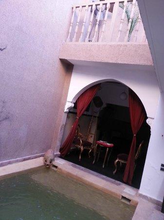 Riad Heritage :                   piscine