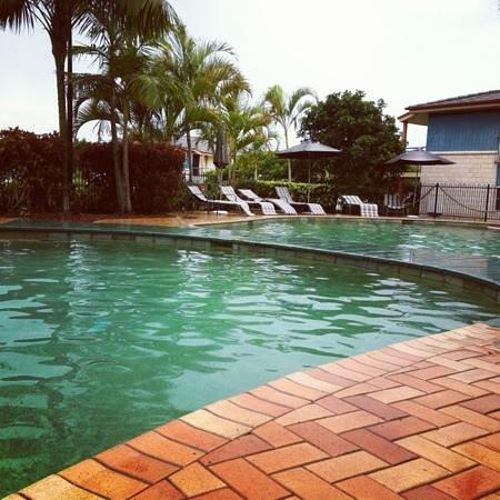 Aqualuna Beach Resort:                   pool area