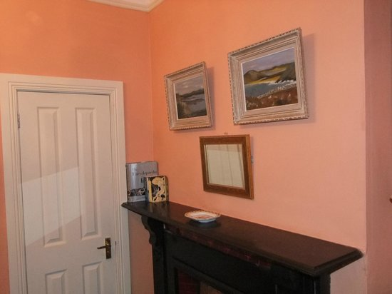 The Saddlers House and the Old Rectory: one of the bedrooms