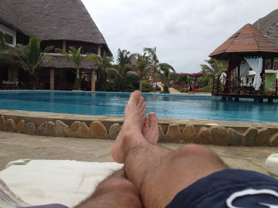 Jacaranda Beach Resort:                                     relax bordo piscina