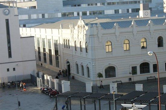 NH Sevilla Viapol: vue sur l'université de Siviglia